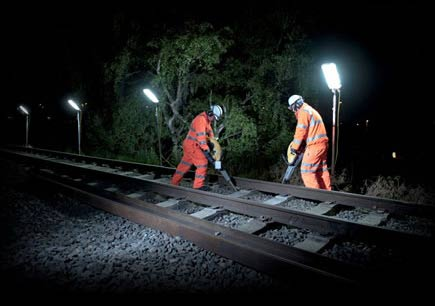Trackside lighting for night work